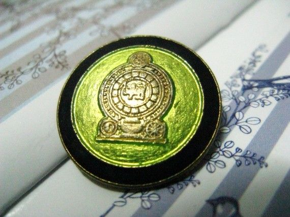 10 Pieces of Gold Locomotive in Lime Green Background Buttons. 0.87 inch