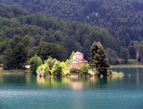 Άγιος Φανούριος στη λίμνη ΔόξαΚορινθίας Agios Fanourios at Doxa lake of Korinthia tBoH