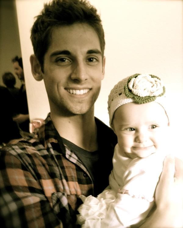 Jean-luc Bilodeau as Ben in the new abc family show called #BabyDaddy . It is such a cute show! and that baby is adorable!!