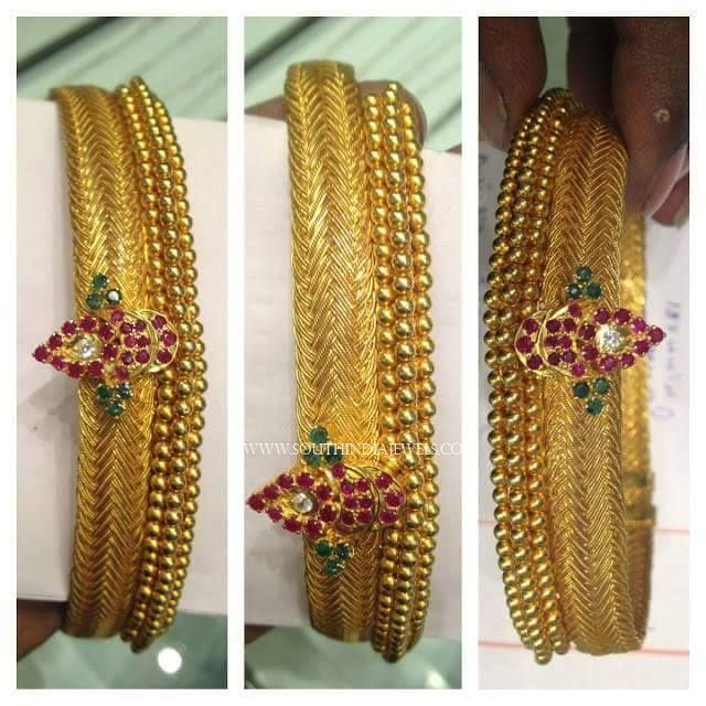 Big Antique Gold Bangle Designs, Big Antique Gold Bangle Models, 22K Gold Antique Bangle Designs.