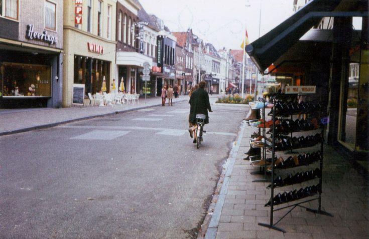 Grotestraat Almelo met het zicht op Wimpie.
