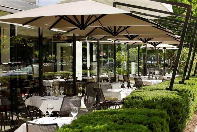 Modern Offset Patio Umbrella Design Style with Elegant Furniture for Outdoor Restaurant Decoration Ideas