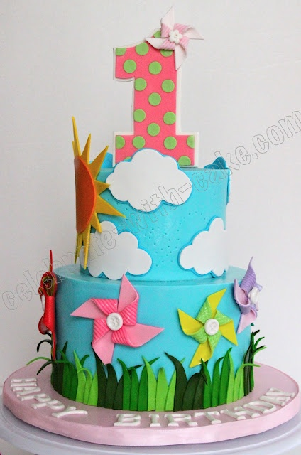 I would have loved this cake for Vale's 1st bday... :(