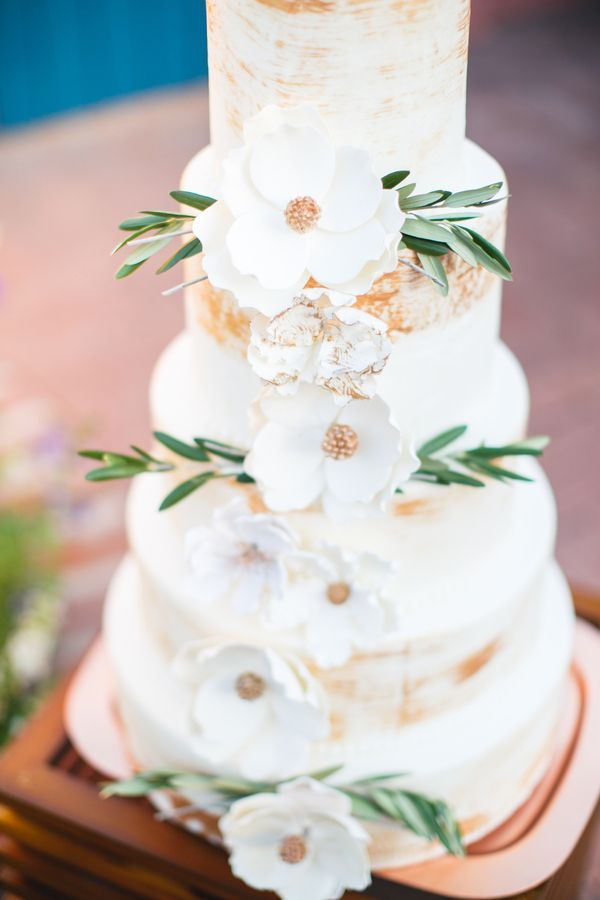 17 Best images about Wedding Cakes on Pinterest Sugar flowers