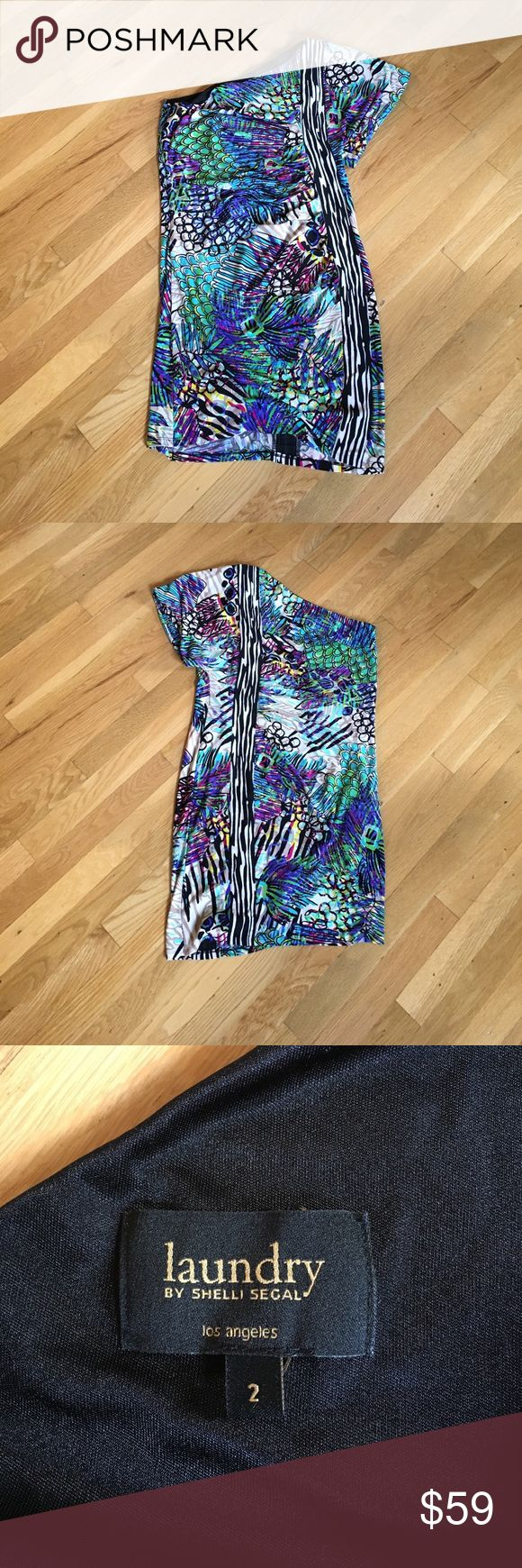 Laundry by Shelli segal one shoulder dress size 2 Laundry by Shelli segal one shoulder dress size 2. 95% polyester 5% spandex, 100% black polyester lining. Dryclean. Used. Laundry by Shelli Segal Dresses One Shoulder