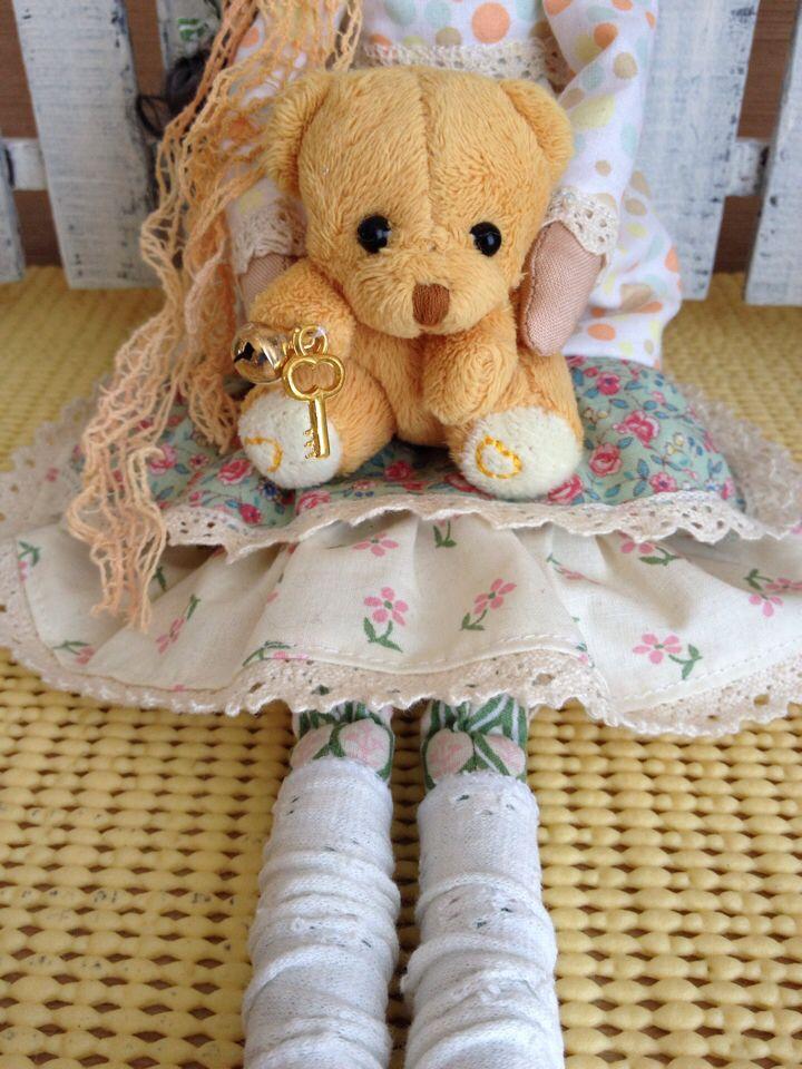 Лиза Ангел с мишкой