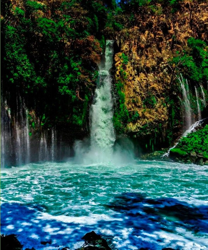 Cascada La Tzararacua Gran Cedazo En Purepecha Paisajes Cascadas Fotografia Antigua
