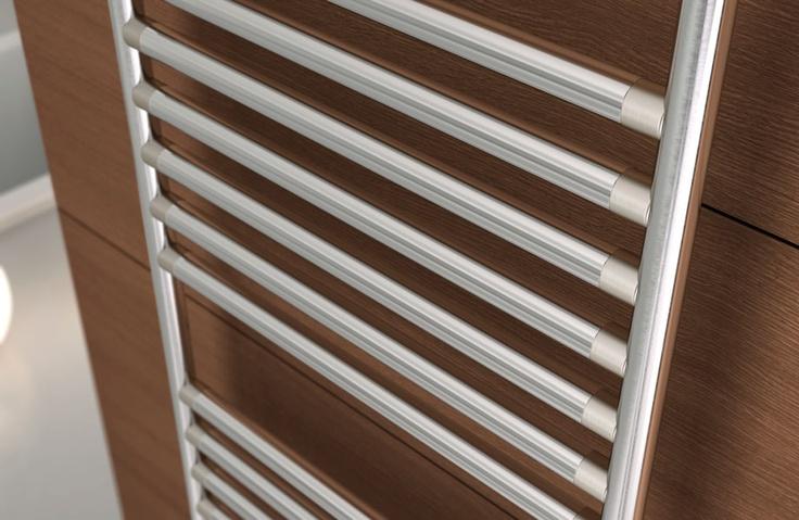 Particolare radiatore di design Stilé mod. 1792, L 481 Acciaio Inox Satinato cod. AS