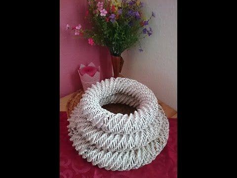 Hier zeige ich Euch wie ihr euch einen Kranz für Ostern oder Weihnachten machen könnt. Meine Homepage: http://amalies-handgemachtes.npage.de/