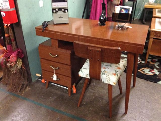 Luan Furniture Co. Desk And Chair | Midcentury And Retro | Pinterest |  Desks, Mid Century Modern Furniture And Mid Century Modern