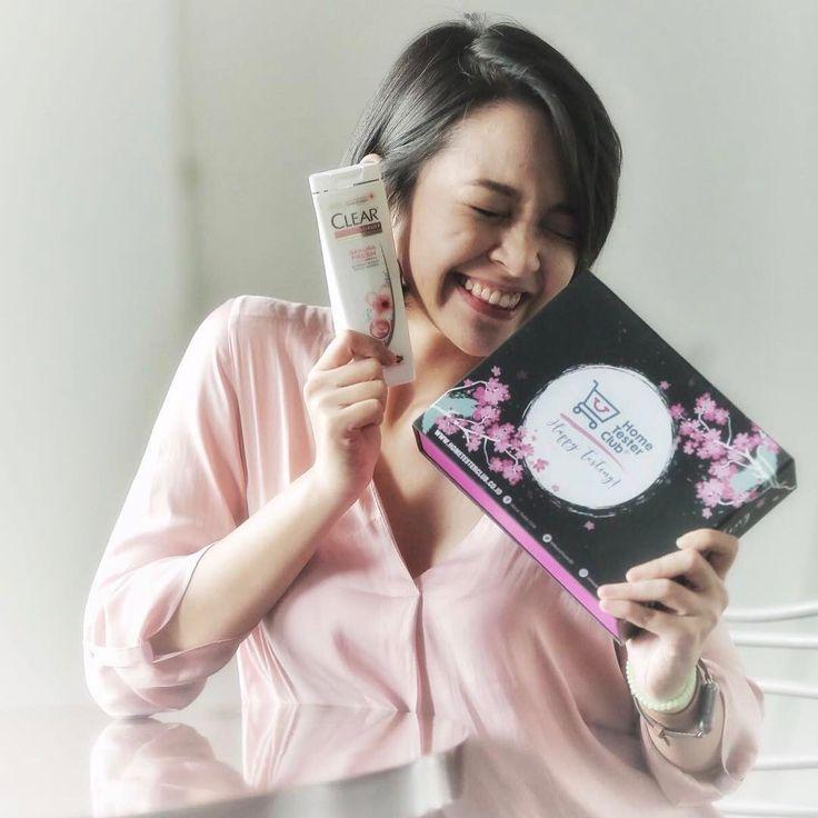 """233 Likes, 15 Comments - IFa Nasution (@yfaa) on Instagram: """"Mau liat sakura? gausah jauh2 ke Jepang. Di box cantik sakura dari @HomeTesterClubID yg di dalamnya…"""""""