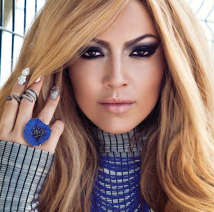 "Turkish-Belgian pop singer Hadise released a new single ""Prenses"". It's the second single of her latest Turkish album ""Tavsiye""."