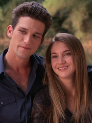 Daren Kagasoff & Shailene Woodley have a big age difference.