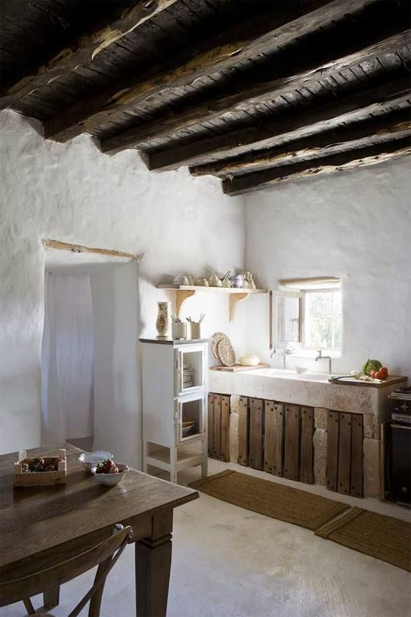 wooden beams, white washed walls rustic #kitchen