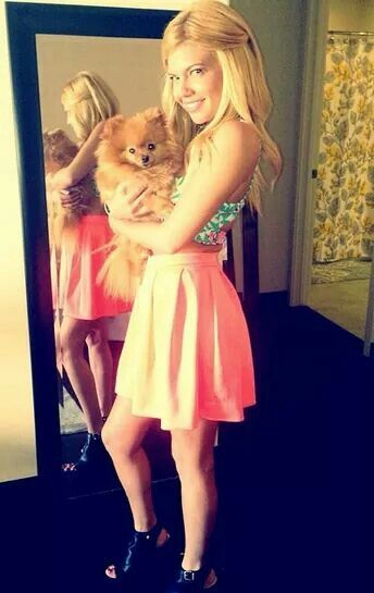 Chanel West Coast (fashion:dress/skirts)