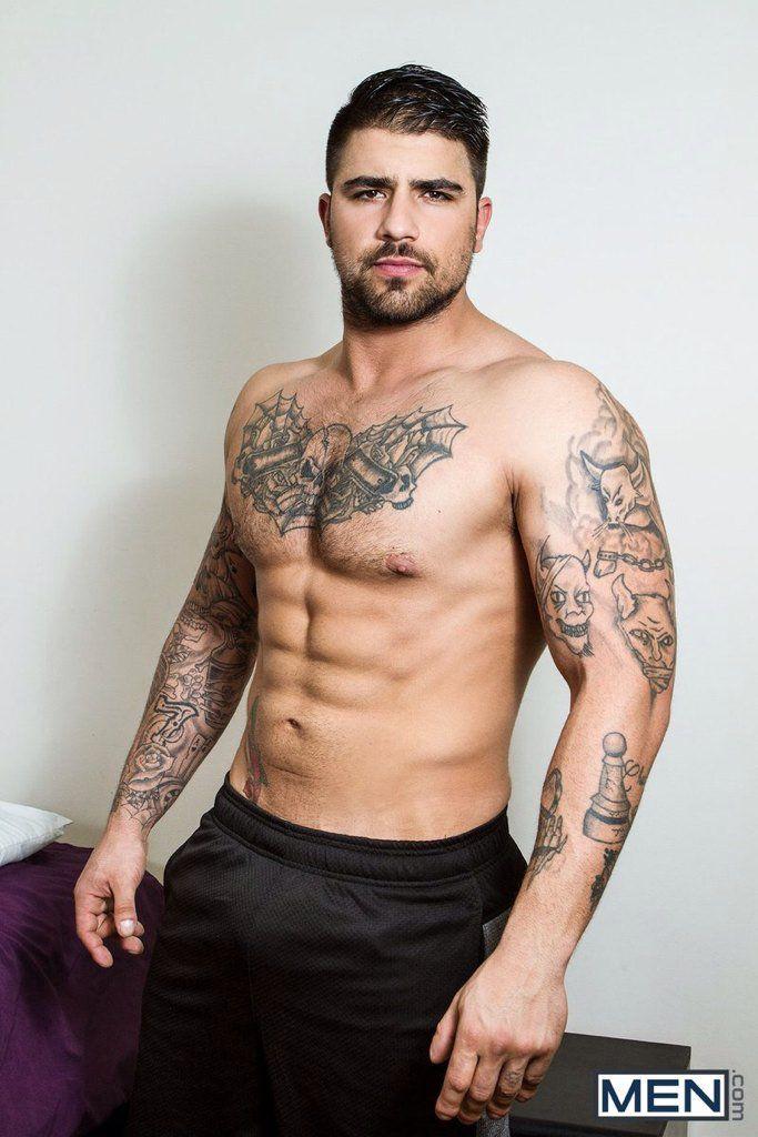 Ryan Bones | ink | Hombres hermosos, Hombres guapos, Hombres