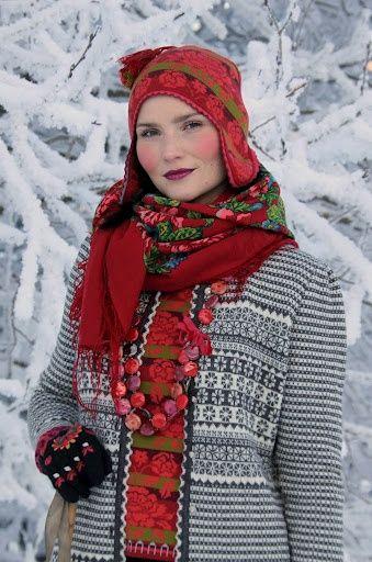 Sweater, øreklaphue & halstørklæde