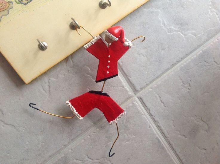 Monigote Papa Noel de papel y alambre.
