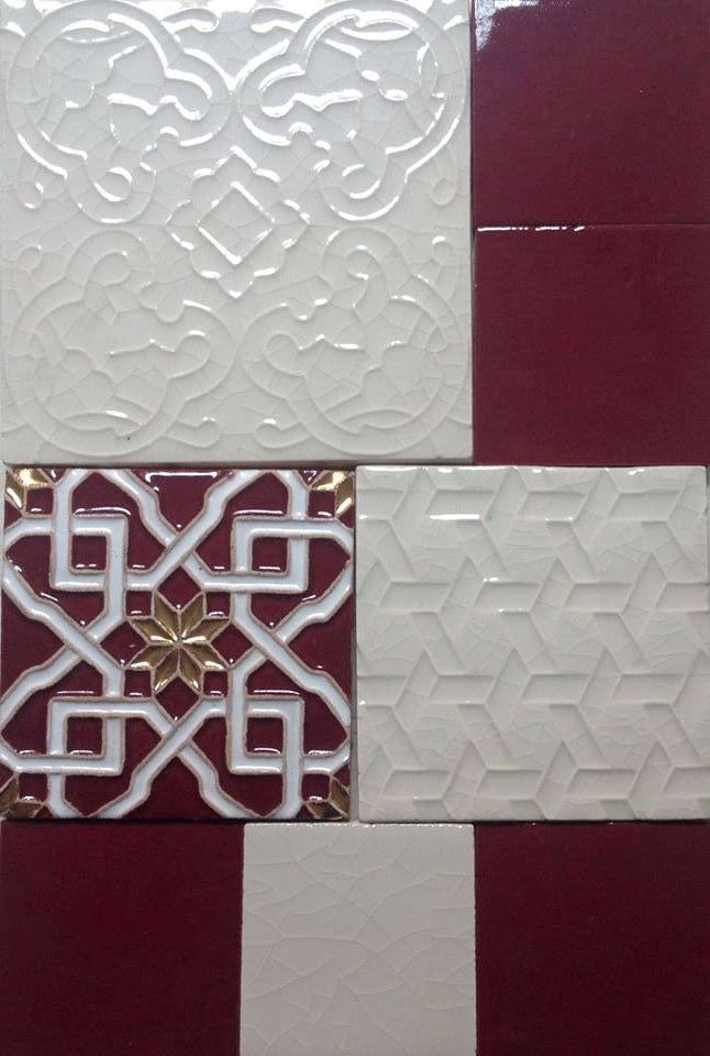 Colori d'autunno in bianco (craquelé B1) e arabesque in oro e amaranto. #DomenicoMori #handmade #madeinItaly  Autumn shades white (craquelé B1) and arabesque gold and reddish purple. Handmade tiles #MoriDomenico