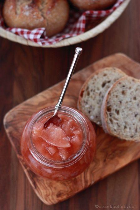 Dżem gruszkowo-brzoskwiniowy z różaną nutą i kardamonem