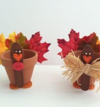 Cute thanksgiving turkey pot from spatulas and leafs // Vidám pulykás cserepek falevelekkel spatulából // Mindy - craft tutorial collection