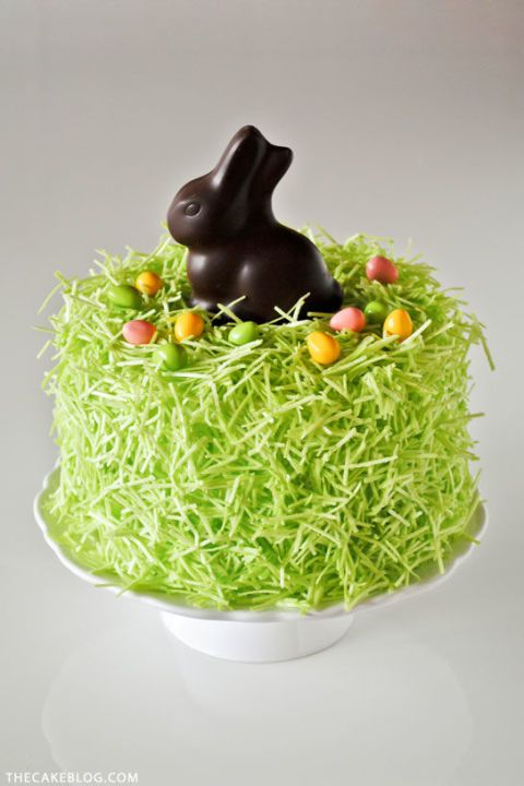 Chocolate Easter Bunny Cake – Chocolate bunnies belong on top of cakes, not in baskets. Click through for the entire gallery and for more easter desserts.