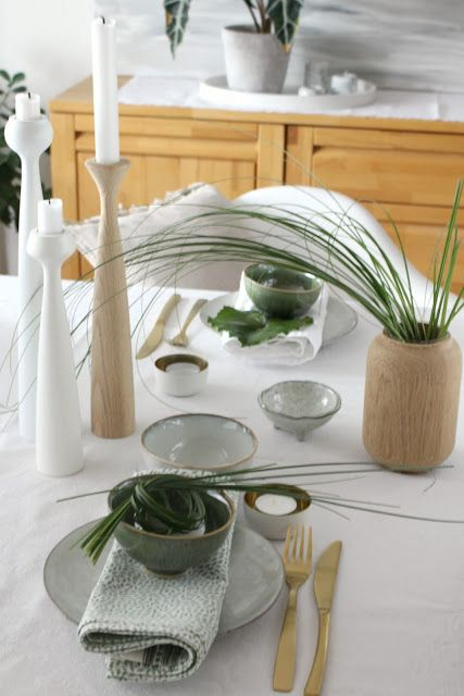 #greenery, table Setting in green and gold