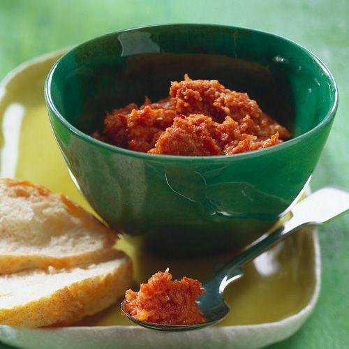 Rotes Pesto mit Chili und Tymian