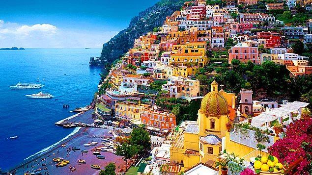 Romantik çiftler Campania denilen, merkezi Amalfi olan Güney İtalya tam da size göre. Napoli'den başlayabileceğiniz balayı tatilinizde çok sesli, çok renkli İtalyanlarla, kıvrıla kıvrıla giden yollarıyla, muhteşem manzarasıyla, leziz yemekleriyle sizi birbirinize daha da aşık geri gönderecektir. #Maximiles #İtalya #Italy #adalar #balayı #honeymoon #balayıfikirleri #balayıyerleri #balayıturu #balayıtatili #holidays #vacation #tatil #wedding #düğün #celebration