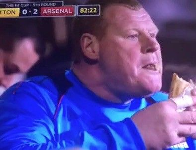 LOOK: Sutton's Wayne Shaw steals the show without even seeing the field = [video] Sutton United FC came up short, 2-0, against Arsenal on Monday afternoon. However, Sutton was definitely the winner off the field as…..
