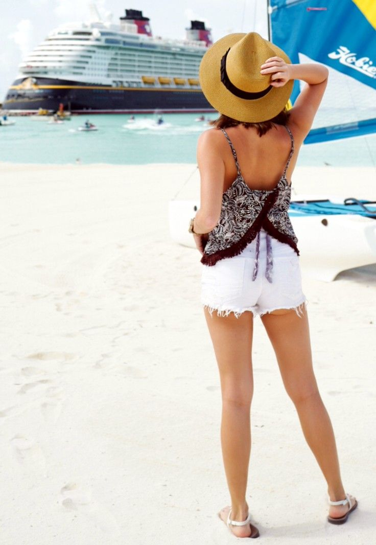 Castaway Cay - Click for Thirstythought in Music Ambiance http://gv.lauderlis.net/thirstythought_4.php