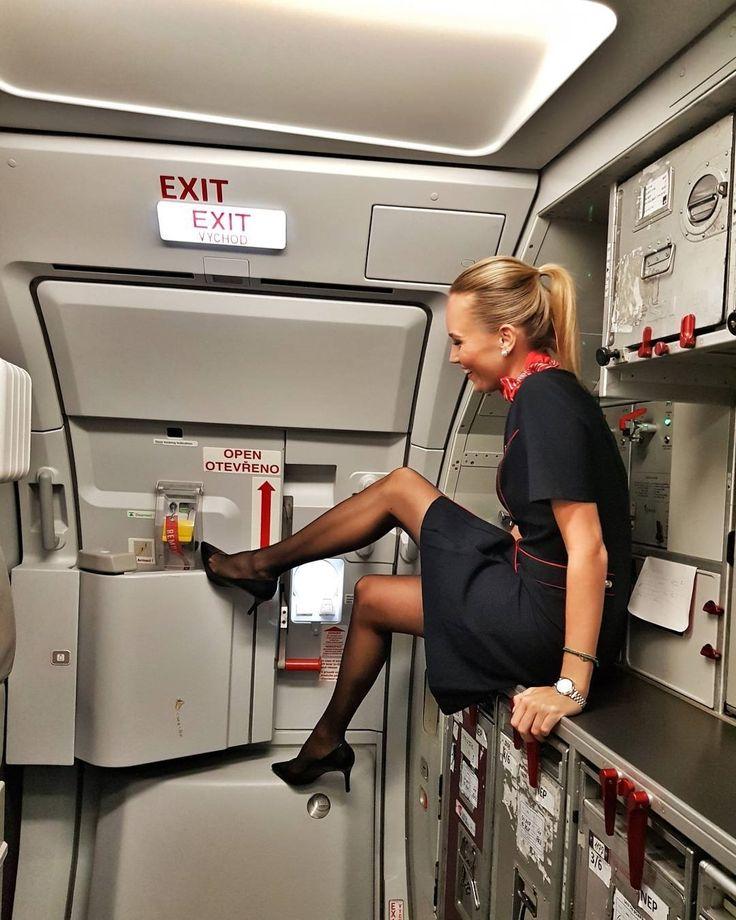 Hot Flight Attendant | Hot Flight Attendants | Cabin crew ...