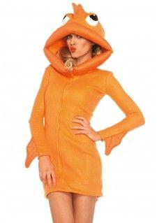 Leuke Oranje Goudvis voor een dieren thema, koningsdag of lekker als warm jurkje. Dit is een fleece jurk met rits aan de voorzijde, fin op de rug, armen en capuchon met goudvis ogen. De speelse capuchon is in de vorm van vissenlippen. Let op! Het kostuum kan kort uit vallen. Bij twijfel adviseren wij een grotere maat te nemen. De lengte in maat Small, gemeten vanaf de schouder, is 84cm. Het model is 178 cm lang en draagt maat S.     Set bestaat uit: - Oranje Goudvis Jurkje