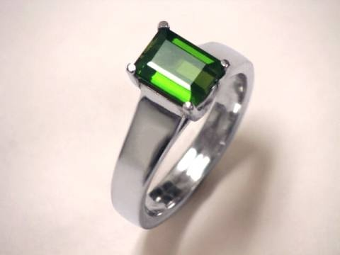 green gemstone ring: Tourmaline Green Tourmaline, Gemstone Rings, Green Gemstone, Finer Things, ̲̅ ̲̅C̲̅R̲̅A̲̅Y̲̅O̲̅L̲̲̅̅A̲̅, Beautiful Things, Ṧparkle Bling