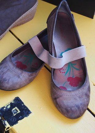 À vendre sur #vintedfrance ! http://www.vinted.fr/chaussures-femmes/ballerines-and-slippers/29656533-ballerines-avec-petits-talons-15cm-de-couleur-beige