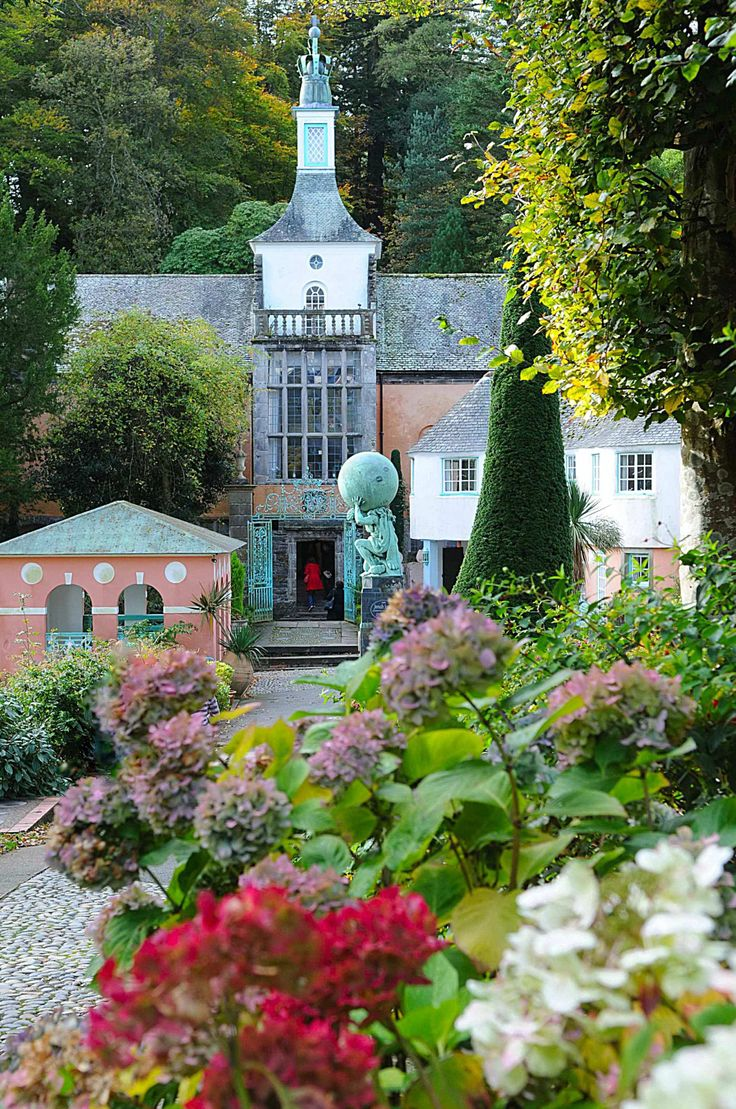 Portmeirion Now A Hotel But Was The Brainchild Of Sir Clough Williams Ellis An Eccentric Architect And Collector Salvaged Architectural Feat