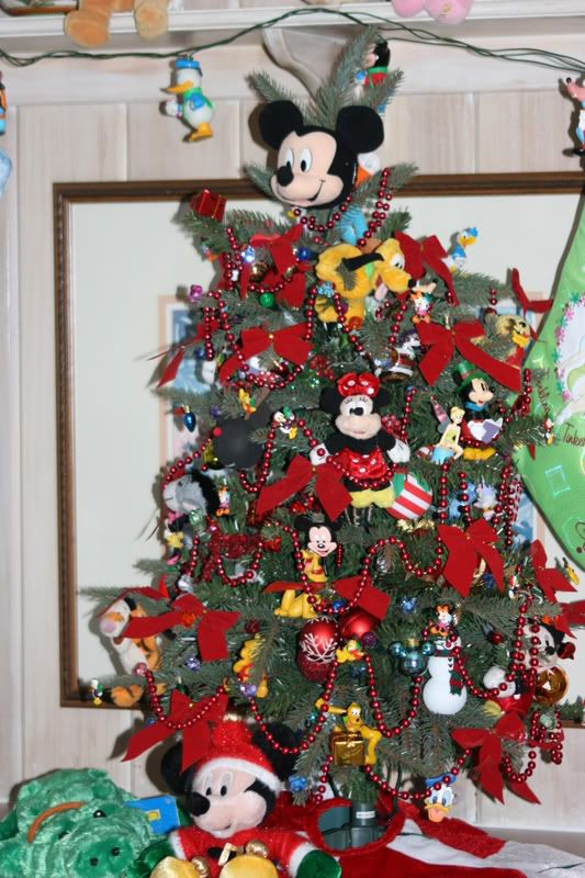 Best images about disney christmas on pinterest