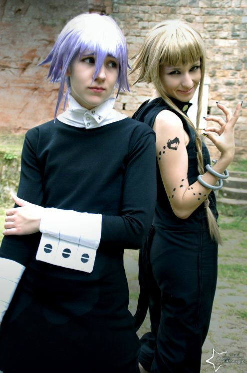 Yamane - Daweee I was like uploading something from Soul Eater again *-* With cool as Medusa and myself as Crona Photo by *_* I love your photos! (I made it a bit more green) Location: Burg Gräfenstein, Ger...
