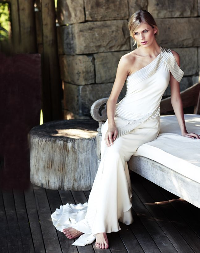 Bridal Dresses UK: Sexy Wedding Dresses By Amanda Wakeley!!!