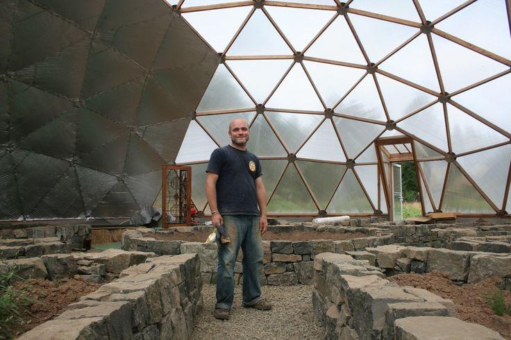 geodsic domes vegetable garden pinterest geod tische kuppel erdkeller und. Black Bedroom Furniture Sets. Home Design Ideas