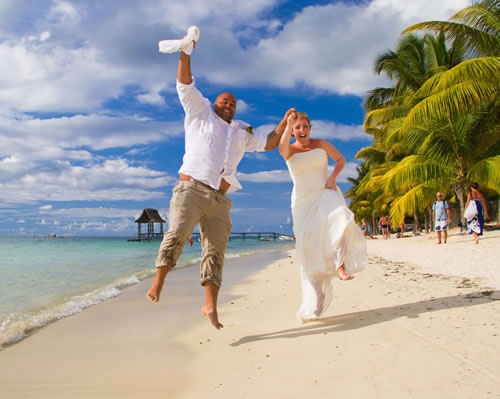 """""""Maria and Livingstone marry in paradise"""" - Trou aux Biches Resort & Spa - Mauritius"""