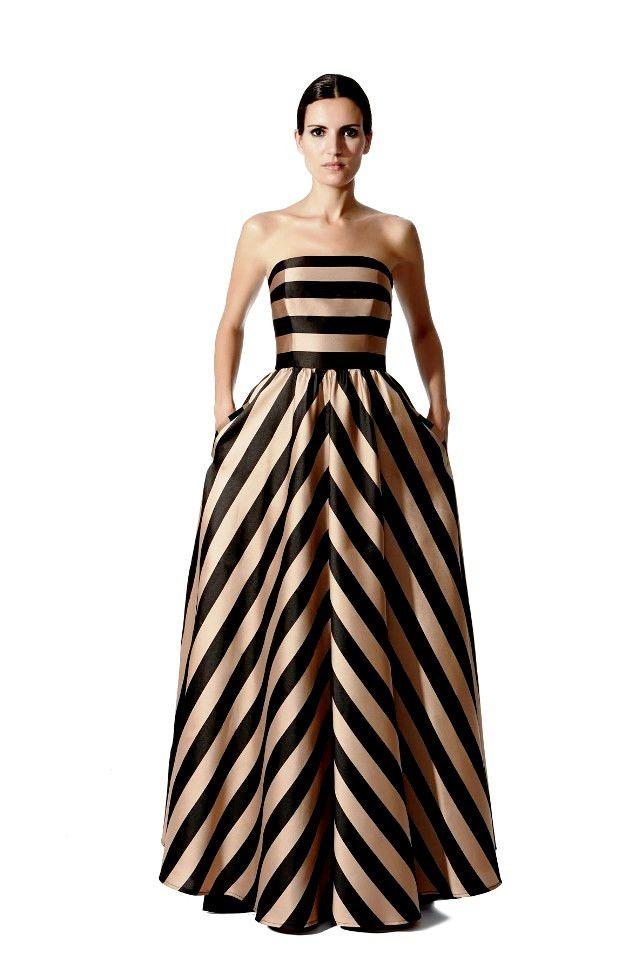 Vestido de fiesta largo de Moskada by Moskada | Boutique Clara. Tu tienda de vestidos de fiesta.