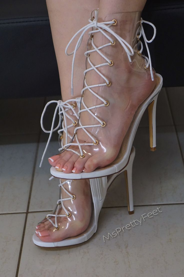 Sandals are sexy : Photo