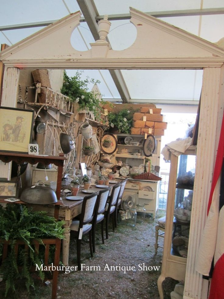 Like the paint on the table.....Wonderful booth from Marburger Farm Antique Show