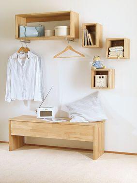 Garderobe mal anders: Unser selbst gebautes Modell sieht eher aus wie eine Ansammlung von Regalen – wir finden es cool! Und zeigen dir, wie du die Garderobe aus Holz selbst bauen kannst.