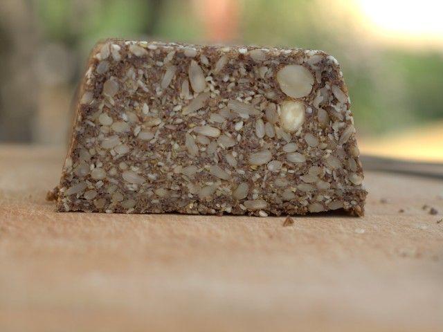 Gabonamentes kenyér magokból