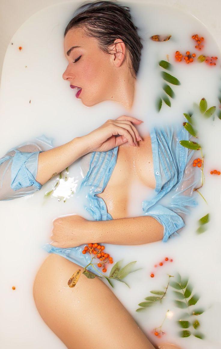 фотосессия в ванне с молоком фото можно