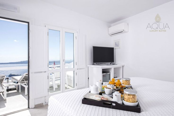 Good morning from #Santorini and #Honeymoon Suite!  More at aquasuites.gr/hotel_gallery/