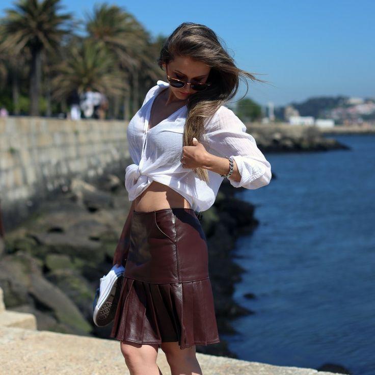 Leather Skirt Pleaded #leather #skirt #pleaded #woman #Mulher #saia #pele #Pregas #desubito