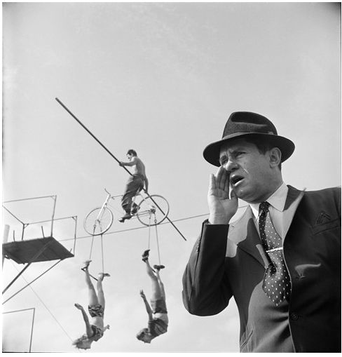 Stanley Kubrick's Dramatic Photos of 1940s New York City